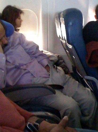 sleeping-plane-funny
