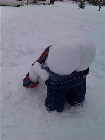 snowman-mooning