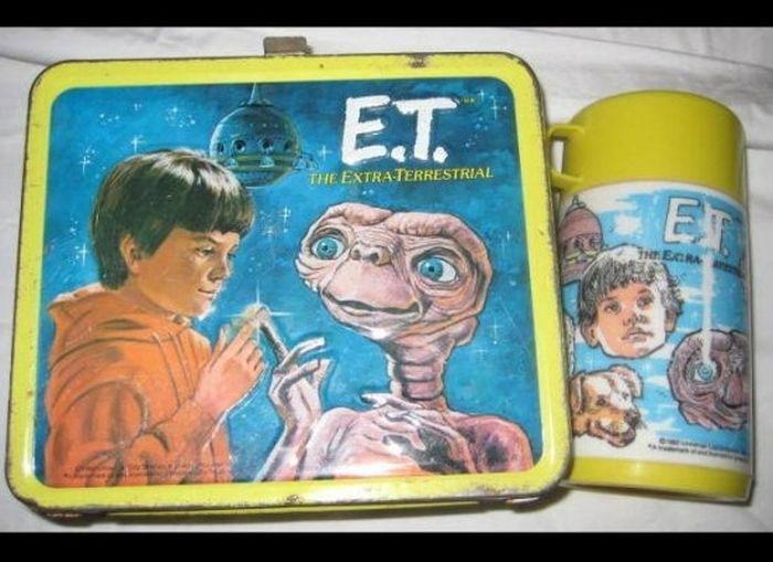 ET lunchbox  sc 1 st  World Wide Interweb & 20 Vintage Movie Lunch Boxes (GALLERY) | WorldWideInterweb Aboutintivar.Com