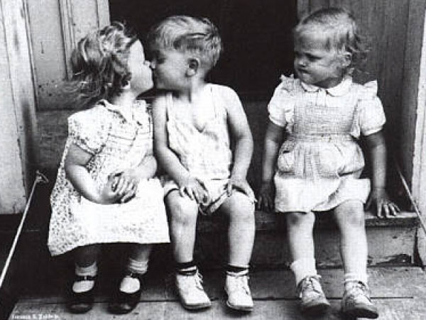 baby-kissing-funny