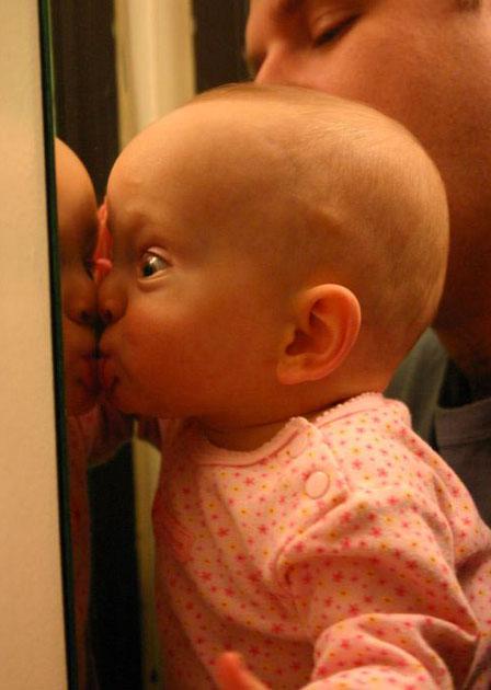 baby-kissing-photos