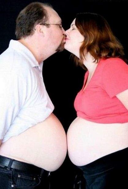 bizarre pregnant photo