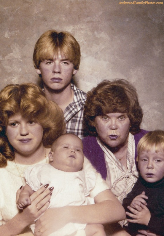 18 Of The Worst Family Photos Of All Time