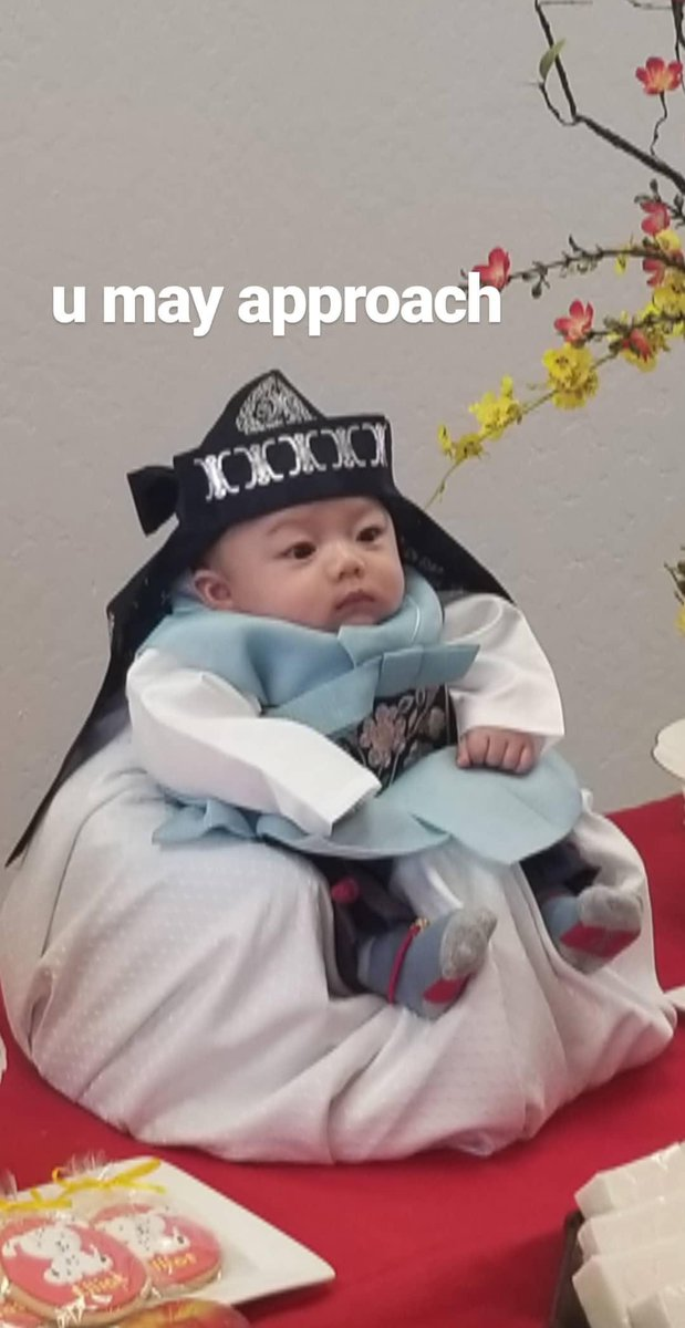 100 day, 100 day celebration, tiny emperor, cute baby, 100 day baby, Korean 100 day tradition, Korea 100 days, 100 days of life, twitter, trending tweets, viral twitter story, baby celebrates 100 days,